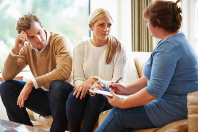 counselor guiding divorce parents